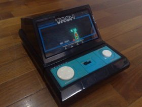 TRON LCD Game